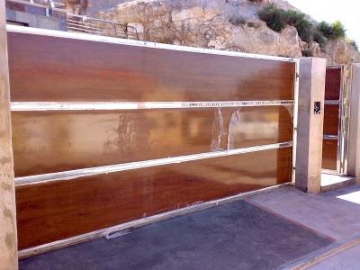 Puerta Corredera Acero Inoxidable