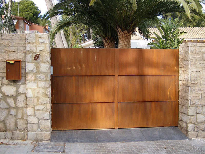 Puerta exterior en acero corten artmeval - Puerta de exterior ...