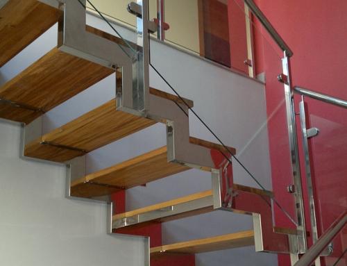 Escalera de Acero Inoxidable y Cristal