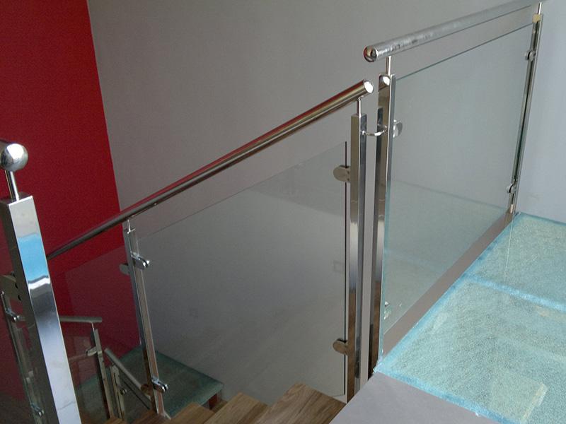 Escalera de acero inoxidable y cristal artmeval - Escaleras de acero y cristal ...
